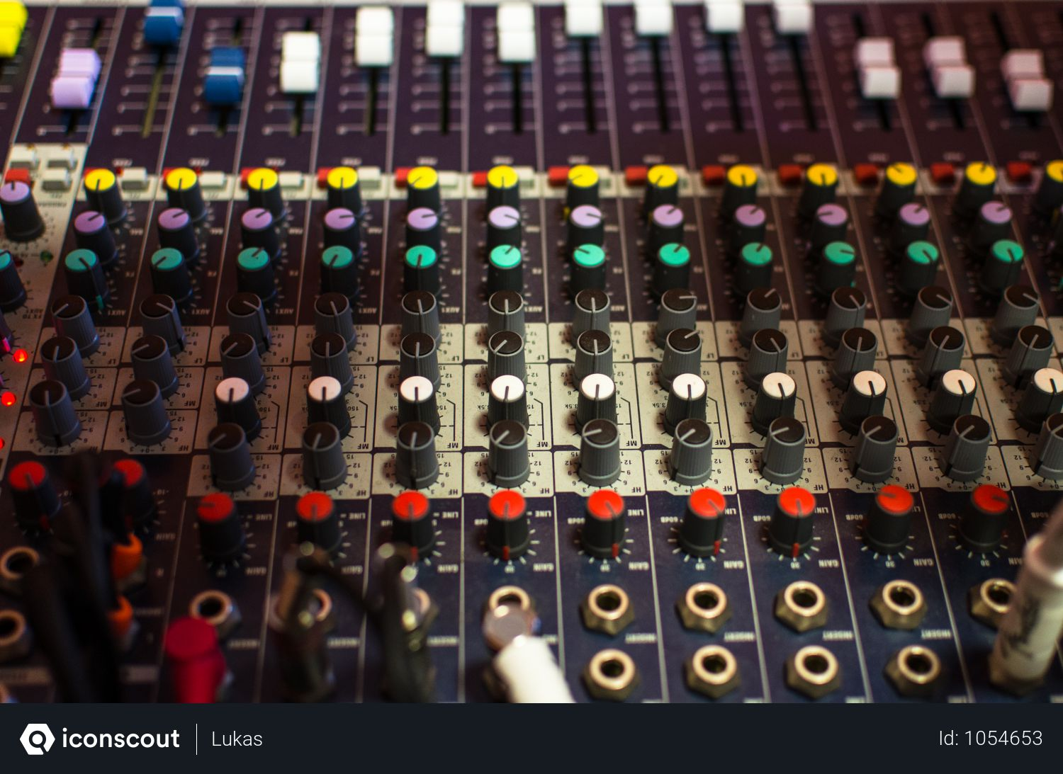 Free Front View Of Sound Mixer Photo download in PNG & JPG format