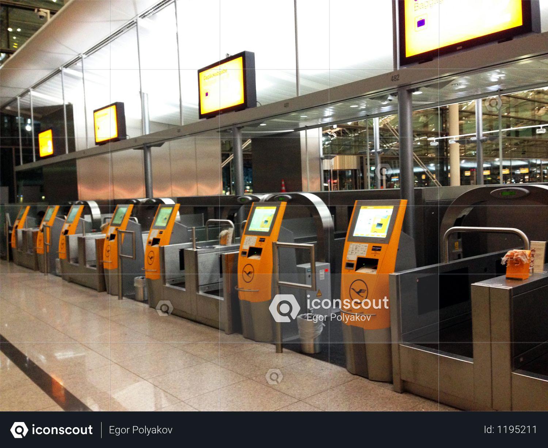 Airport terminals Photo