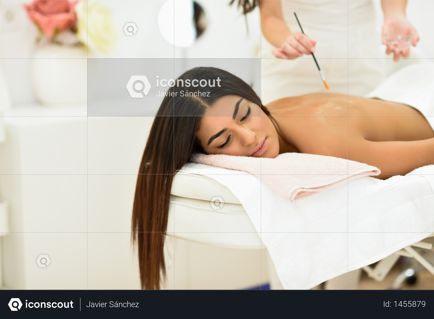 Arab woman in wellness beauty spa having aroma therapy massage with essential oil, looking relaxed Beauty and Aesthetic concepts. Photo