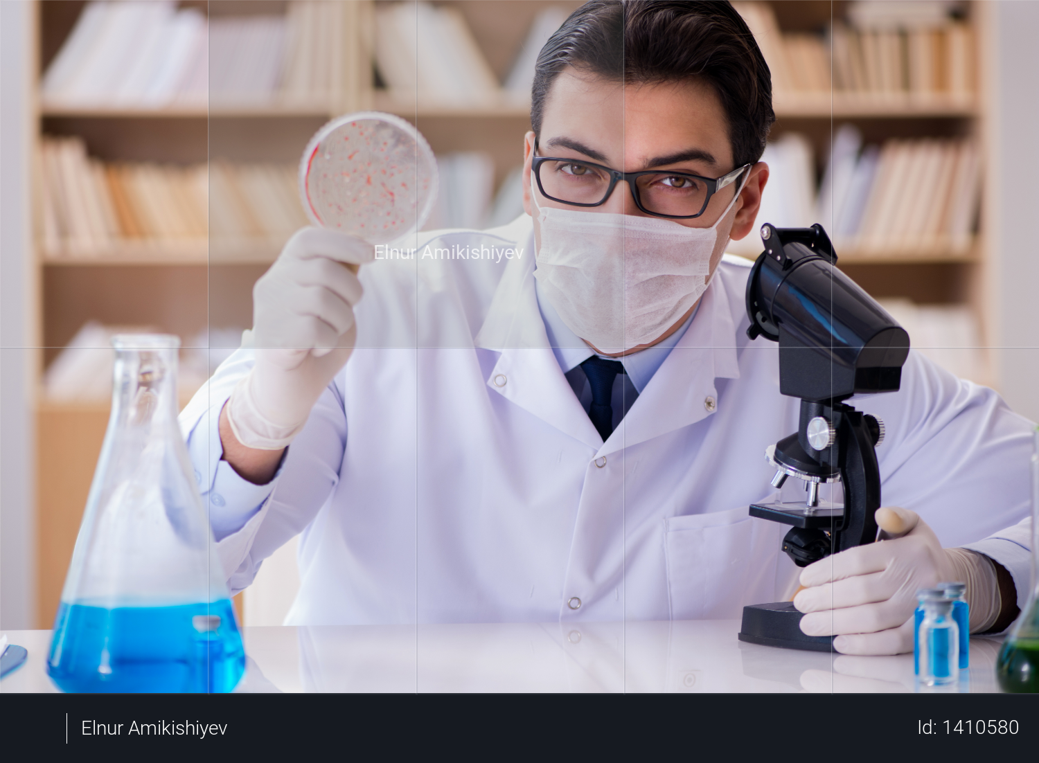 Doctor studying virus bacteria in the lab Photo