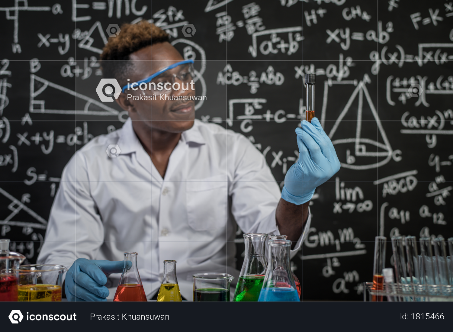 Premium Scientists Look At The Orange Chemicals In Glass At The Laboratory Photo Download In Png Jpg Format