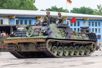 German Armored Recovery Vehicle, Bergepanzer 2 Shoot