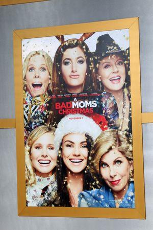 A Bad Moms Christmas Movie Poster.100 A Bad Moms Christmas Poster Photos Free Premium