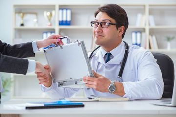 Fraud Doctor Shoot