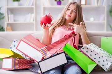 Shopping Addicted Girl Shoot